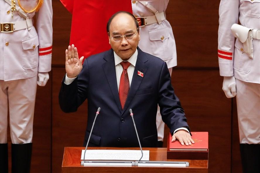 Ông Nguyễn Xuân Phúc được bầu giữ chức Chủ tịch Nước với số phiếu tuyệt đối